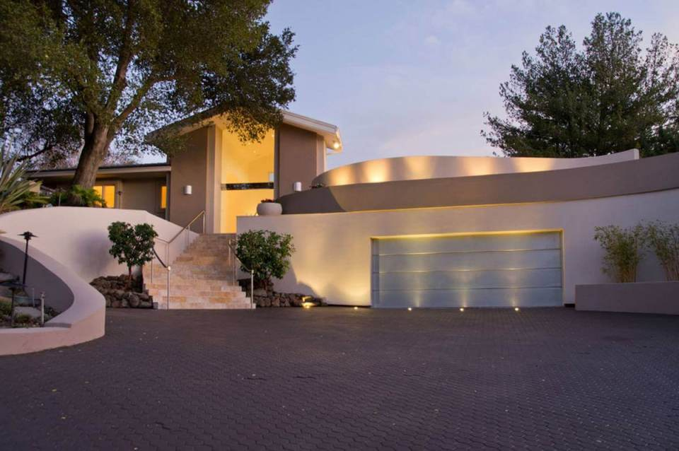 Modern Outdoor Garage Lighting | Best Garage Lighting Designs & Ideas