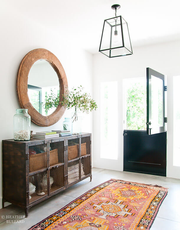 Antique camel wagon wheel | Best Entryway Mirror Decor Ideas