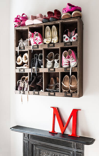 Wooden Pallet Shelves | Smart Shoe Storage Ideas & Designs For Any Zoom Size