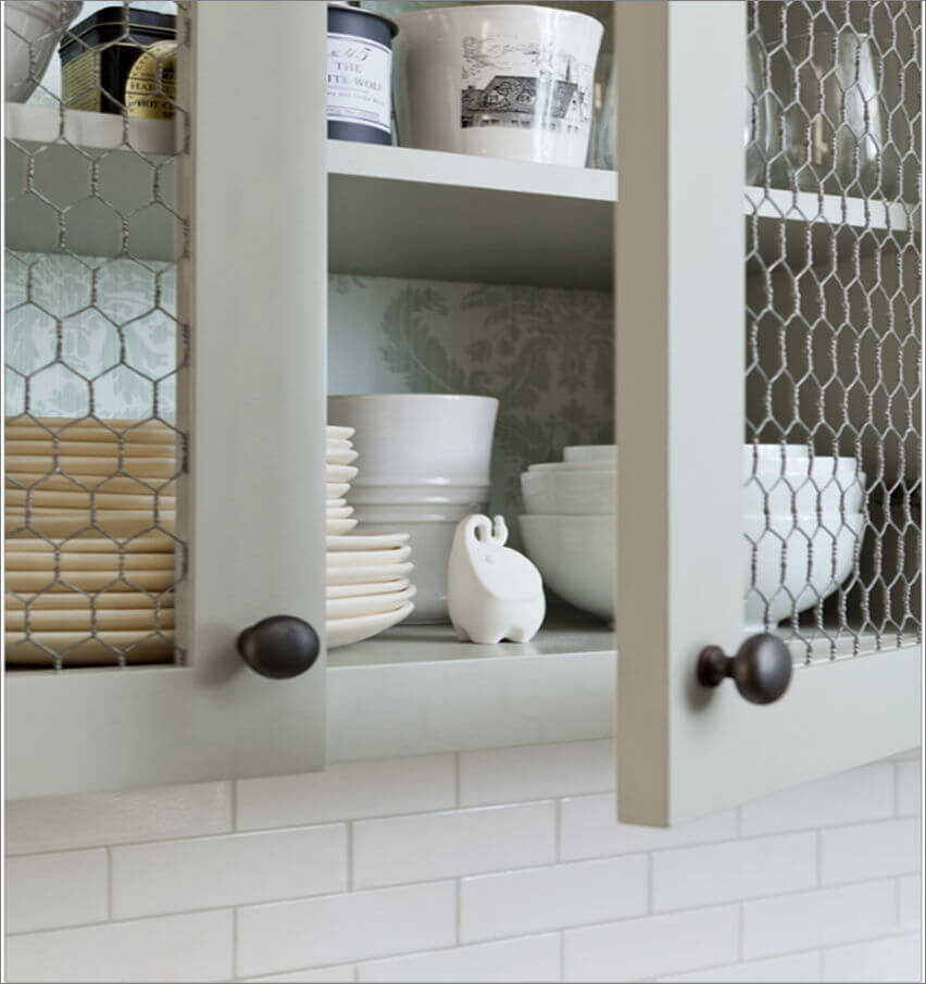 Chicken wire cupboard doors | Inspiring Farmhouse Kitchen Design & Decor Ideas