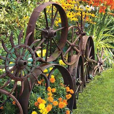 Rusty Metal garden DIY Ideas Old metal privacy from flea market