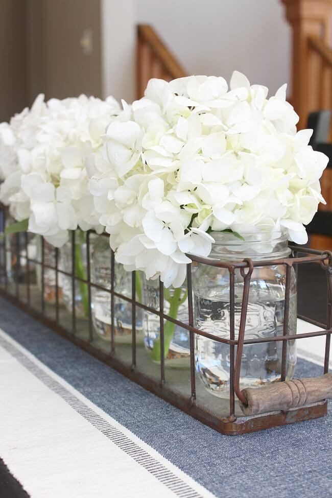 Summer Farmhouse Decor Ideas & Designs Mason Jar Flower Centerpiece