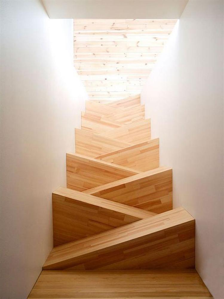 Challenge of the day: going down the stairs