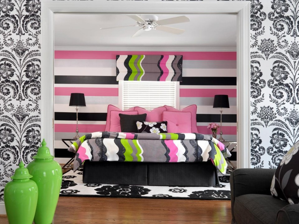 Room with colored stripes