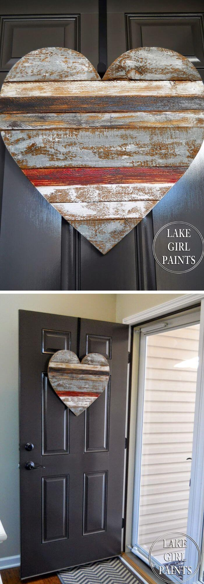 The rustic heart door charm - DIY Rustic Wood Heart Ideas & Projects