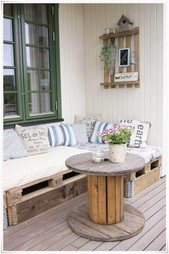 The pallet bench