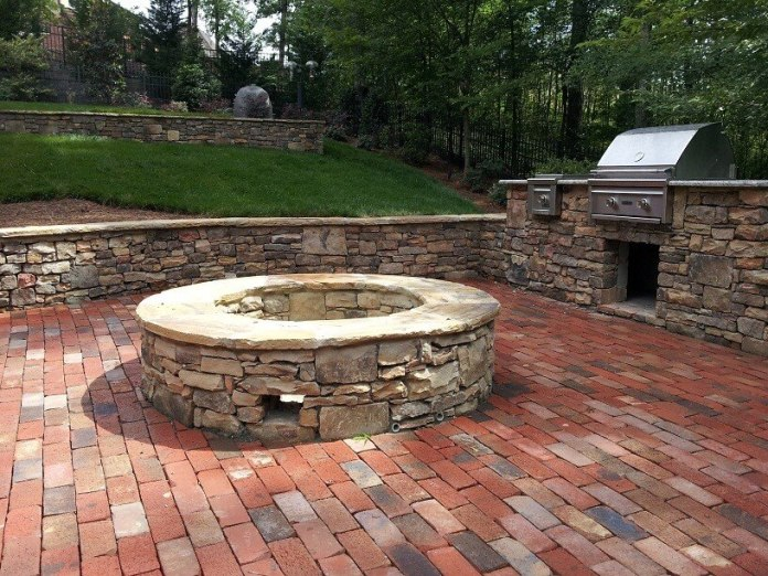 Retaining Wall Brick Pit