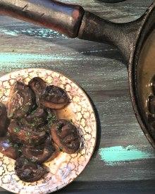 Mushrooms in White Wine Garlic Sauce (Premium)