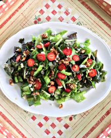 Strawberry Vinaigrette Salad (Premium)