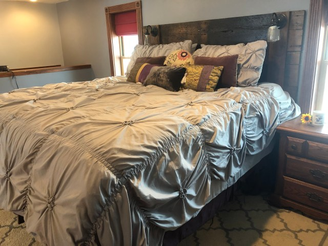 How to Easy way to put on a duvet cover
