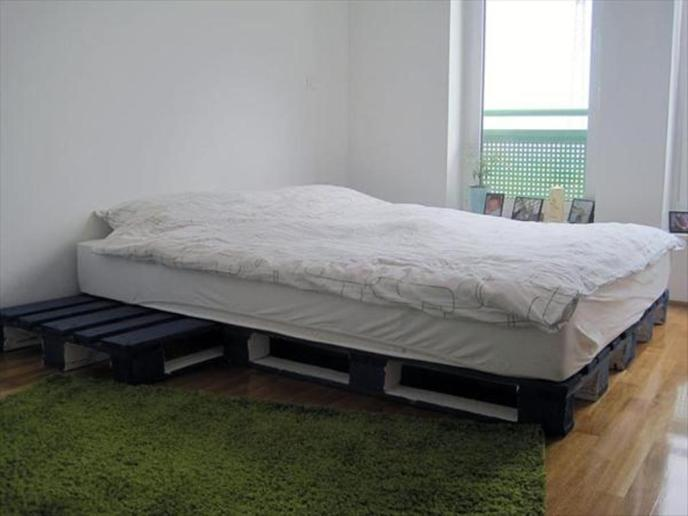 queen size pallet bed diy