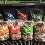 7-Flavor-Smoking-Wood-Chip-Variety-Bundle-Set-of-7-Large-2-lb-Bags-Oak-Cherry-Mesquite-Hickory-Pecan-Apple-Alder-0-0