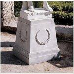 Design-Toscano-Grande-Laurel-Pedestal-0