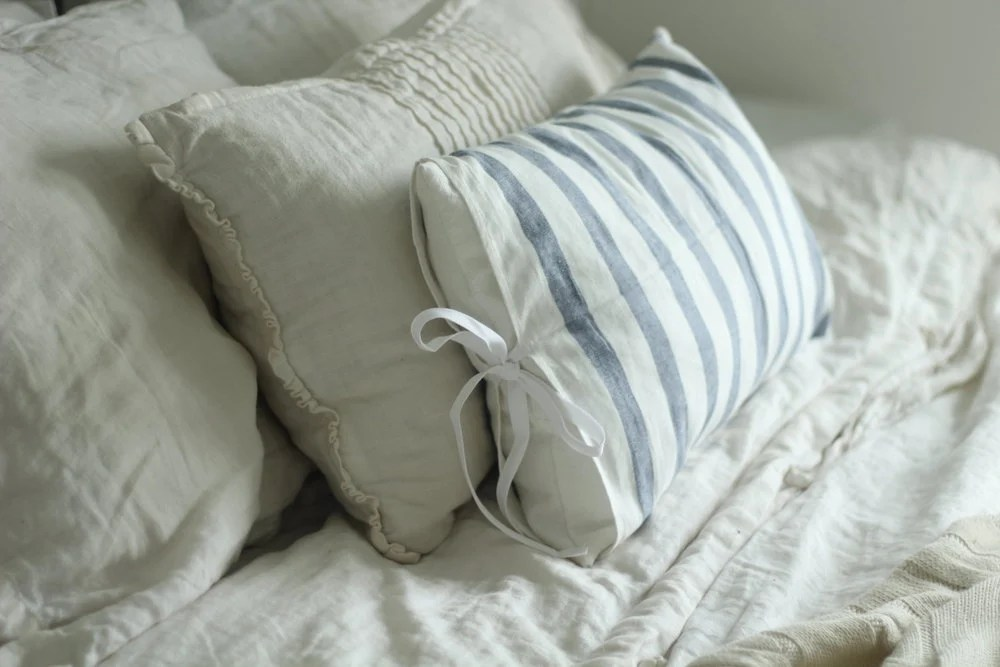 i even made some simple farmhouse pillows and a harvest apron with my favorite ikea tea towels