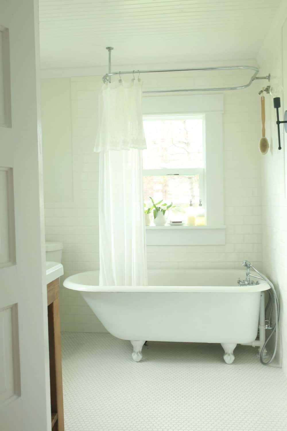 Refinishing a Clawfoot Tub Before and After - Farmhouse on Boone
