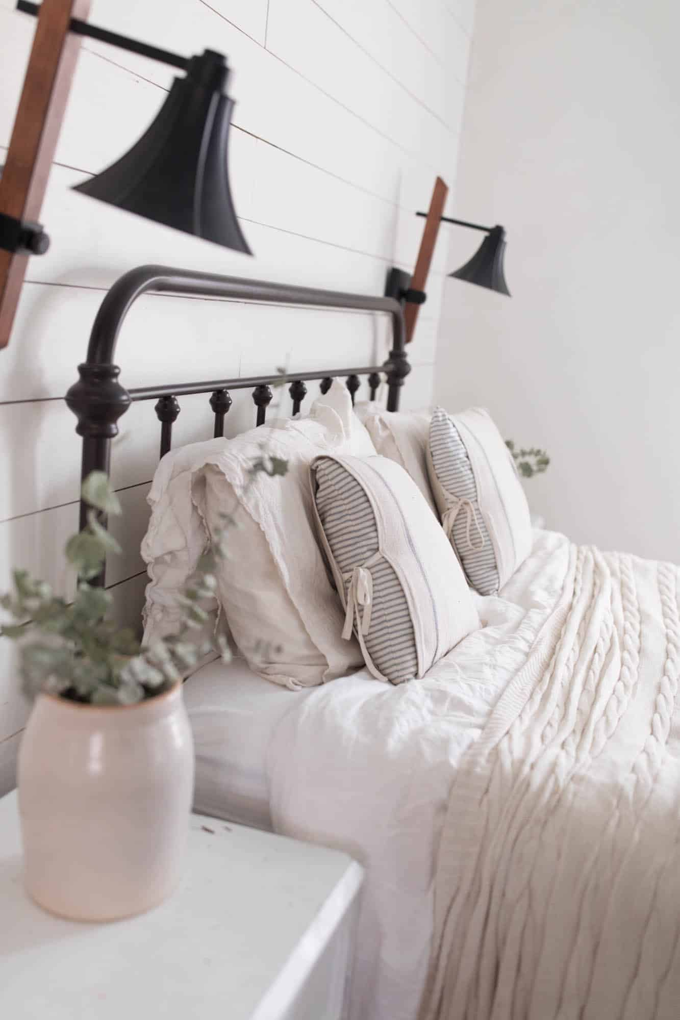 DIY Farmhouse Style Pillow Covers