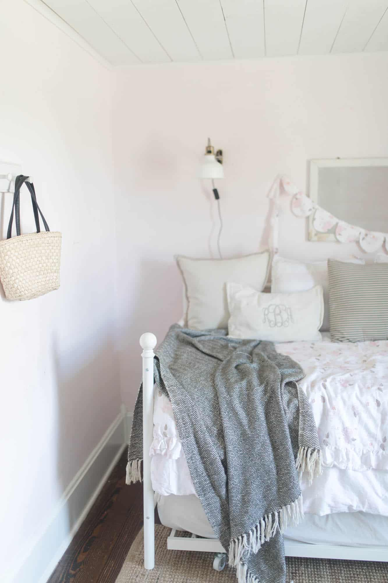 Farmhouse Girls Room Bedding and Lamps