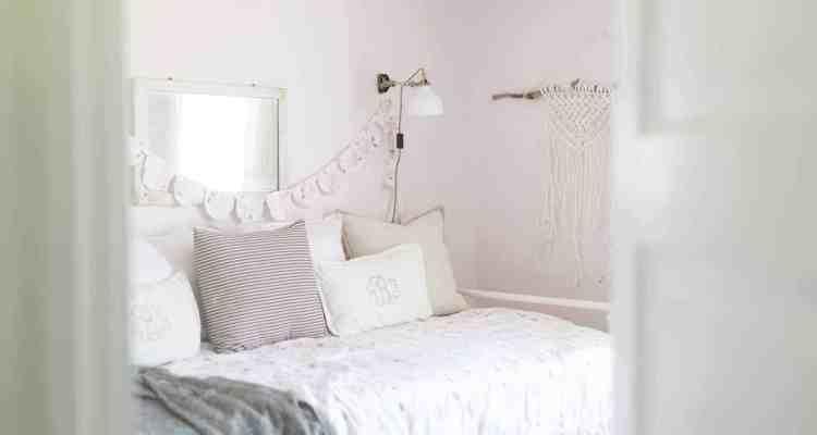 Farmhouse Girls Room Makeover