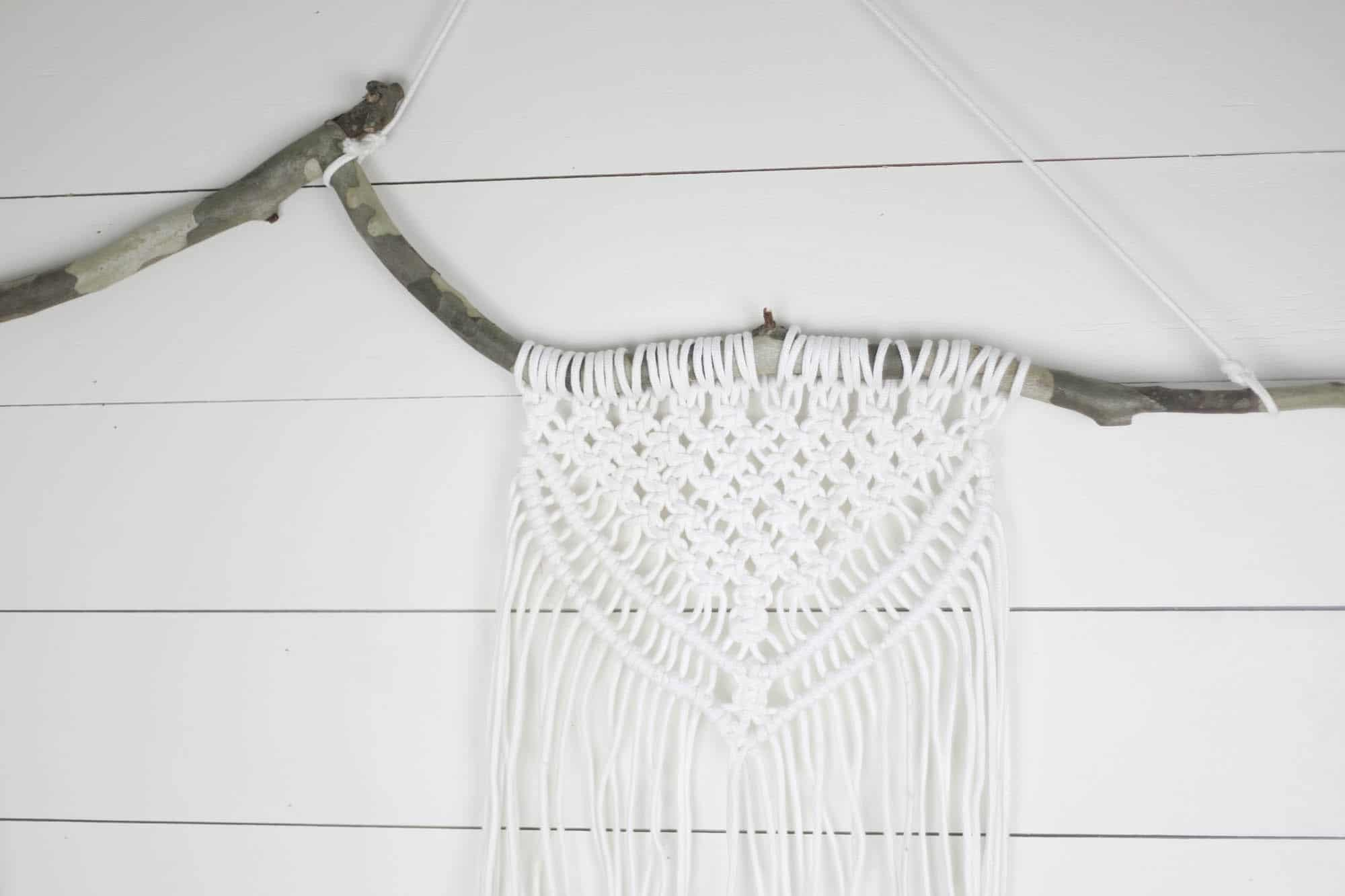 Macrame Wall Hanging Tutorial with Easy Video Instrcutions