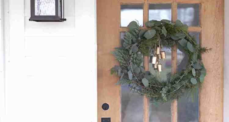 DIY Wreath for Christmas- How to Make a Fresh Christmas Wreath
