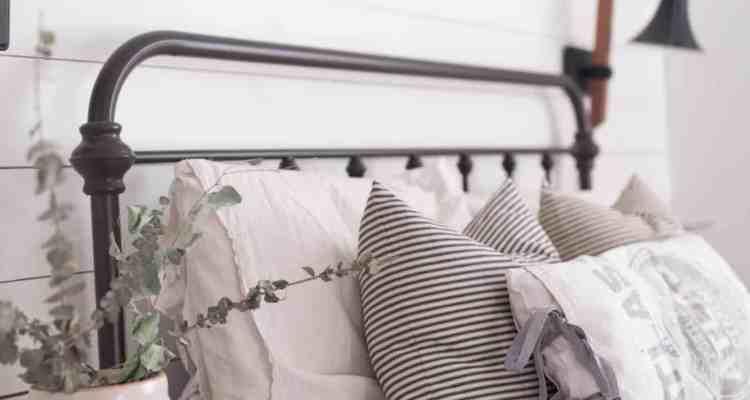 DIY Concrete Sack Pillow Cover