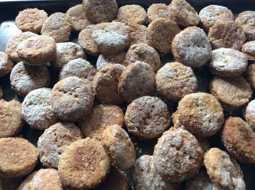 tray of freshly-baked apple crumble cookies