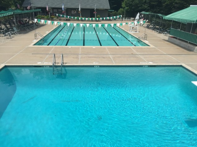 farmington field club has a dedicated diving pool in farmington connecticut