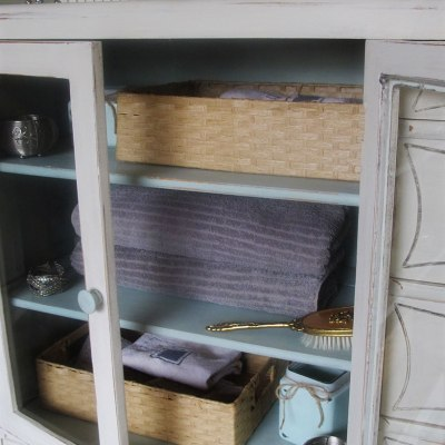 Once dining hutch, now ensuite cabinet