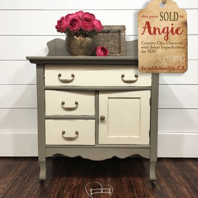 Once Again Pretty Vintage Washstand