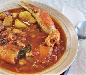 Ciopinno vs bouillabaisse vs fish chowder with recipes for each