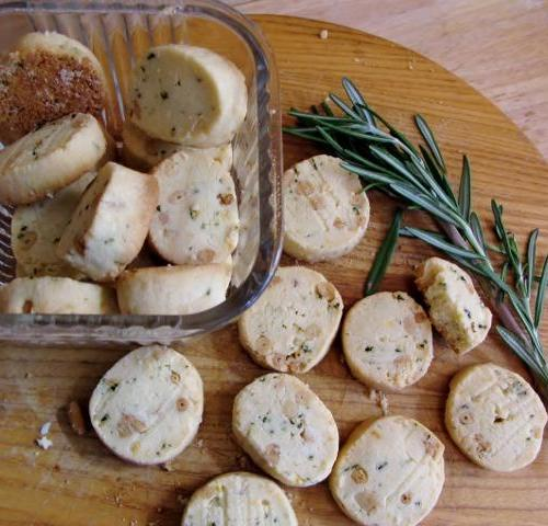 Sabels (cookies) made with rosemary