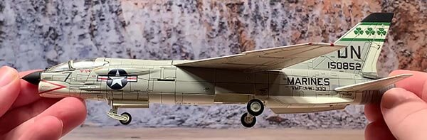 1:72nd Scale Century Wings Vought F-8E Crusader USMC VMF-333 Fighting Shamrocks