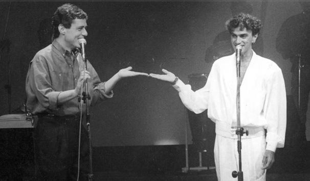 """Juntos, em 1986, quando apresentavam o programa musical  """"Chico & Caetano"""" na Rede Globo."""