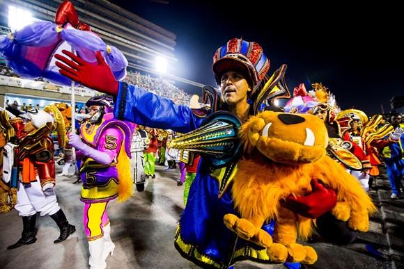 2014341536476_2014-carnaval-tijuca-dickvigarista-mutley_II