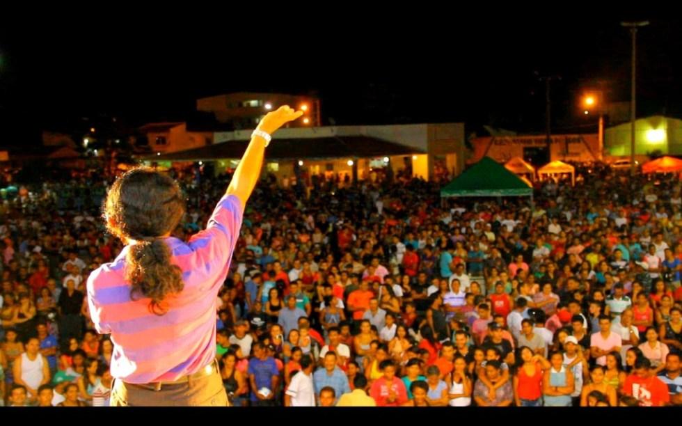 Show de Tonny Cajazeiras na Praça do Povo, na cidade de Chapadinha (MA)