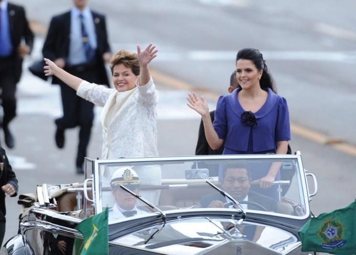 Dilma toma posse em janeiro de 2011 não em companhia de um primeiro-cavalheiro, mas da filha Paula