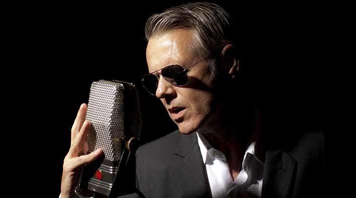 Ritchie canta