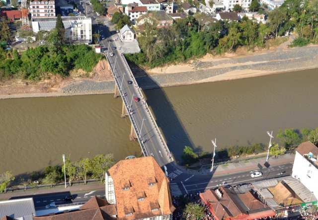 Ponte Adolfo Konder - foto de Eraldo Schnaider