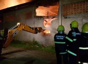 Incêndio em depósito da Circulo em Gaspar - foto do Corpo de Bombeiros