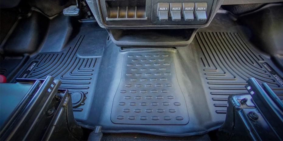 Husky-Floor-Mats-Liners-Ford-Transit-(Heading-1200x600)