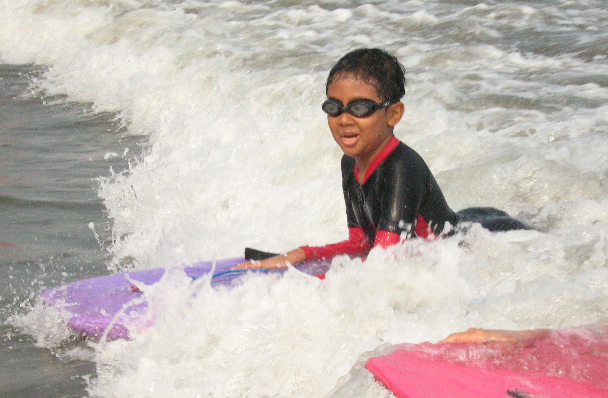 Abi surfing di Anyer