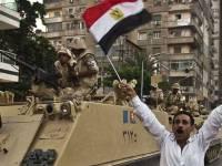 مرسی خلع ید شد- ارتش زمام امور مصر را به عهده گرفت