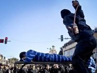 پنج جوان به جرم روزه خواری در ملاء عام در  شهر کرمانشاه شلاق زده شدند