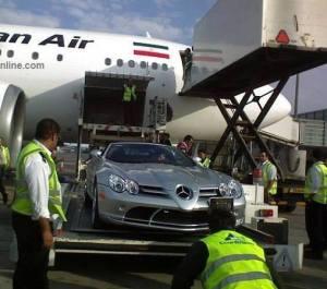 نمونه ای از واردات ماشینهای فوق لوکس آقا زاده ها و وابستگان حکومتی از طریق هواپیما