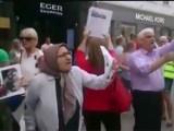 فیلم – تظاهرات اعتراضی جمعی از یاران مجاهدین بر علیه حضور مزدوران خامنه ای در اسلو – 1 اوت 2015