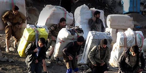 در پی تیراندازی نیروهای انتظامی دو کولبر  زخمی یک معترض کشته شد