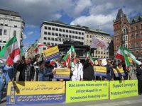 آکسیون در حمایت از قیام مردم ایران در استکهلم + عکس