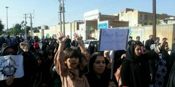 اعتراف رژیم به تظاهرات کارگران هفت تپه