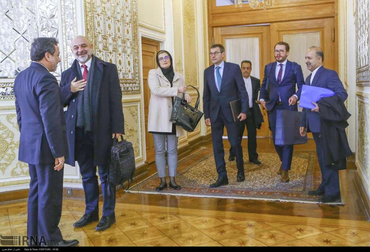 ترس و وحشت رژیم از نشست لهستان