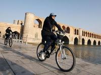 غلط کردم دادستان اصفهان، درمورد دوچرخه سواری بانوان